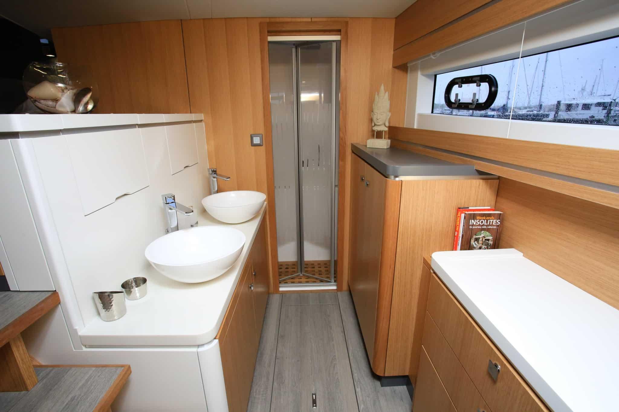 Privilege Catamaran 5 Series - Owner's Suite