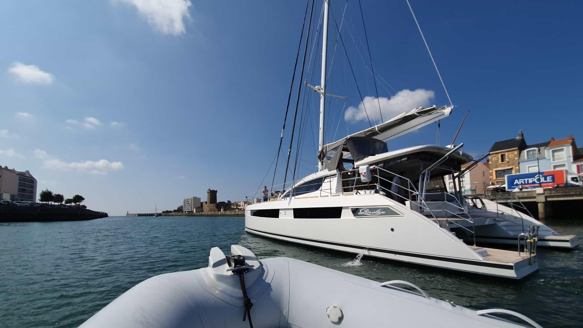 Leaving Port, Chase Boat